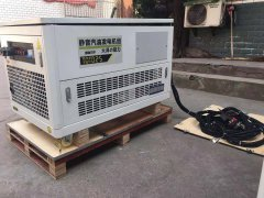 定制机组:25KW静音汽油发电机+外接控制面板